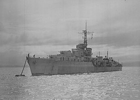 HMS Camperdown (D32) at a buoy on the River Clyde on 12 June 1945 (FL 2500).jpg
