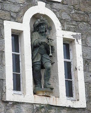 Music in early modern Scotland - The statue of Habbie Simpson in Kilbarchan