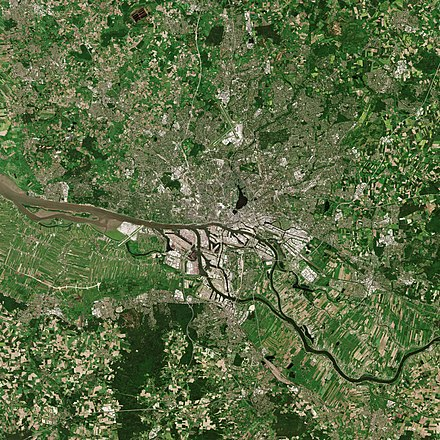 Hamburg as seen from the Sentinel-2B satellite Hamburg by Sentinel-2.jpg