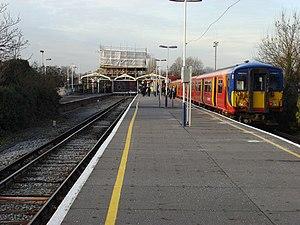 Hampton Court railway station - Image: Hampton Court railway station 01
