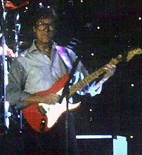 Picture of Hank Marvin live on stage Date: 200...