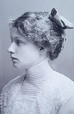 Hertha Sponer 1913.jpg
