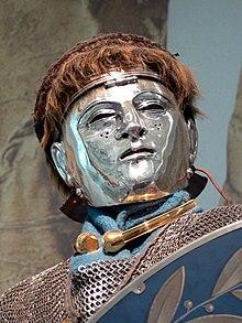 https://upload.wikimedia.org/wikipedia/commons/thumb/6/64/Het_Valkhof_-_Reiter_mit_Gesichtshelm.jpg/220px-Het_Valkhof_-_Reiter_mit_Gesichtshelm.jpg