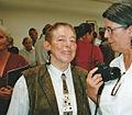 Hildegard Wegner - Ausstellungseröffnung im KUBUS am 01.08.2004 02.jpg