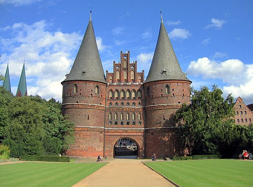 Holstentor04