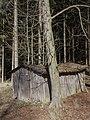 Holzschuppen im Wald, Osterode, 2014-03-13.jpg