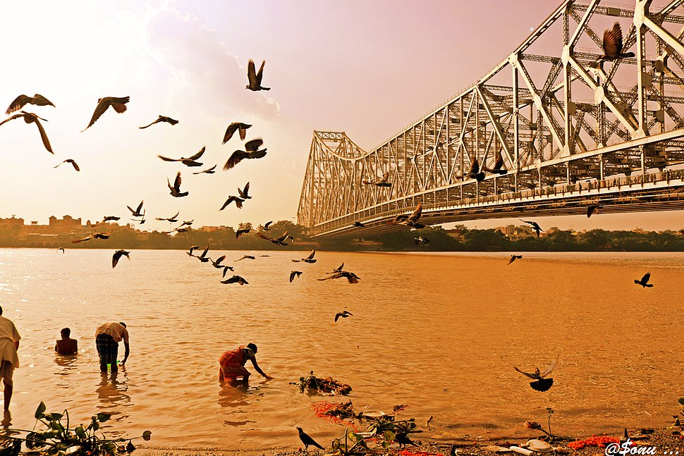 Howrah Bridge from the western bank of the Ganges