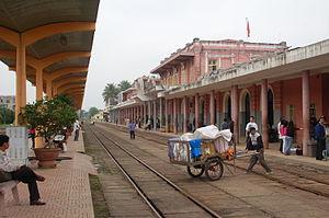 Huế railway station - on the platform