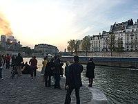 Incendie de Notre Dame 20h21.jpg