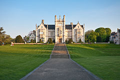 Ingress Abbey, Greenhithe, England - April 2009.jpg