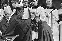 Installatie als bisschop van mgr. H. J. A. Bomers en tevens bisschopswijding van, Bestanddeelnr 932-8330.jpg