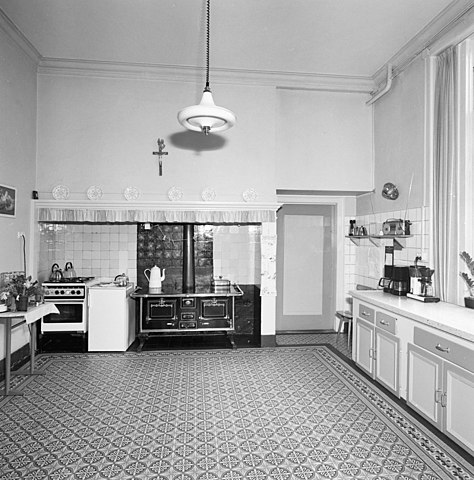 file:interieur begane grond, keuken met tegelvloer, aanrecht en, Deco ideeën