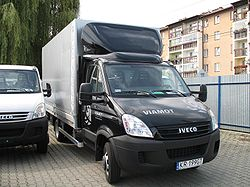 Iveco Daily 35C15 All Blacks skrzynia z oponcza.jpg