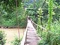 Jambatan gantung seberang jalan pintu masuk Kolam Air Panas Bentong - panoramio.jpg