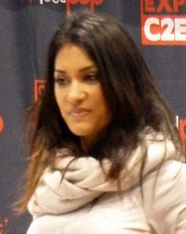 Janina Gavankar at C2E2 (1) (cropped).jpg