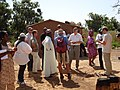 Journalisten Fulani Dorf (5209076206).jpg