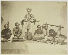 KITLV 26588 - Isidore van Kinsbergen - Touring music and dance company in Batavia - Around 1870.tiff