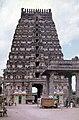 Kanchipuram-06-Ekambareswarar-Tempel-Gopuram-1976-gje.jpg
