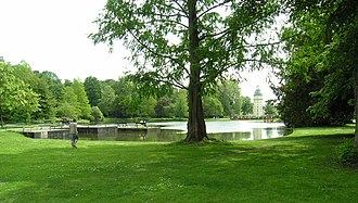 Karlsruhe Palace - Image: Karlsruhe Schloss See