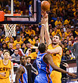 Kevin Love shoots against Kevin Durant.jpg