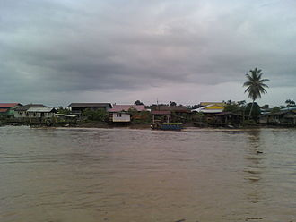Oya River - Kg. Brunei, this is how a typical Melanau village looks like in Dalat. The houses are built near to Oya River