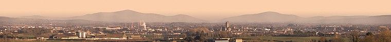 Kilkenny city panorama 2006-01-29.jpg