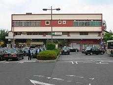 改修前の西口(2005年5月28日)