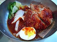 Korean.food-Bibim.naengmyen-01.jpg