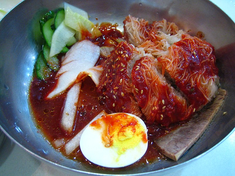File:Korean.food-Bibim.naengmyen-01.jpg