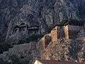 Kral Kaya Mezarlıkları & Amasya Kalesi.jpg
