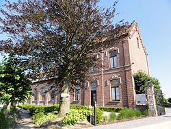 Kwaremont - Municipal school 1.jpg