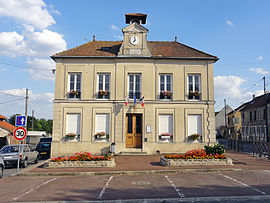 The town hall of Le Mesnil-Aubry