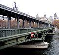 Le Pont de Bir-Hakeim côté 16e.jpg