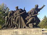 """Споменик """"Ослободиоцима Скопља"""" у Скопљу, рад вајра Ивана Мирковића"""