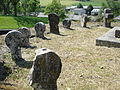 Lichans (Lichans-Sunhar, Pyr-Atl, Fr) vieilles stèles encerclant le cimetière.JPG