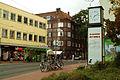 Limmerstraße Hannover Linden Stadtbahn-Haltestelle Küchengarten Reklameuhr.jpg
