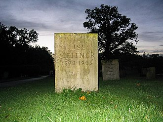 Lise Meitner - Meitner's grave in Bramley