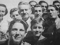 Ljotić i deca iz Belih orlova.png