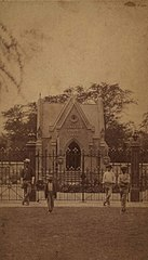 Lunalilo Mausoleum, photograph by H. L. Chase, Mission Houses Museum Archives.jpg