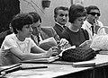 Magyar Újságírók Országos Szövetsége, újságíró iskola, tanóra a székház udvarán. Fortepan 9268.jpg