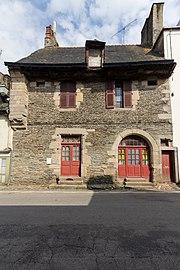 Maison du chapeau rouge, Josselin, France.jpg
