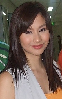 Mariel Rodriguez at the ABS-CBN Main Bldg hallway in May 2010.jpg