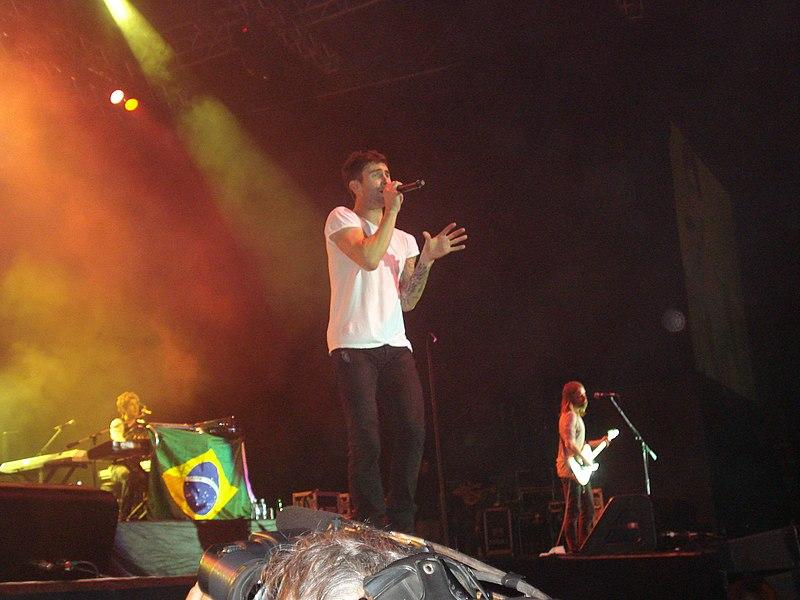 File:Maroon 5 @ HSBC Arena (3015570303).jpg