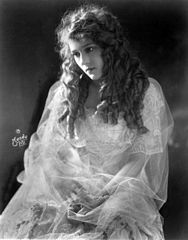 Mary Pickford by R.P. Moody.jpg