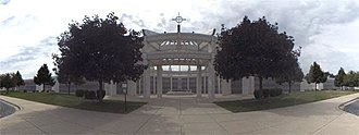 Holy Sepulchre Cemetery (Worth, Illinois) - Image: Mausoleum of the archangels (Rick Drew)