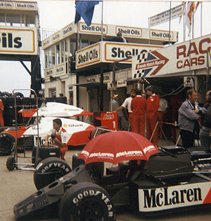 1986 British Grand Prix - McLaren pits