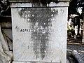 Memoriale ai caduti di Lafolè - dettaglio laterale.jpg