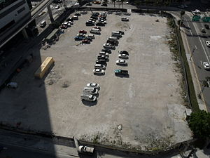Met 3 - Image: Met 3 Miami site in March 2011