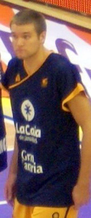 Michael Bramos - Bramos in warm-ups with Gran Canaria, in 2011.