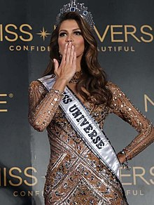 Miss Universe 2016 Iris Mittenaere press conference (cropped).jpg